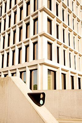 Moderne Architektur in Berlin - p1212m1572952 von harry + lidy