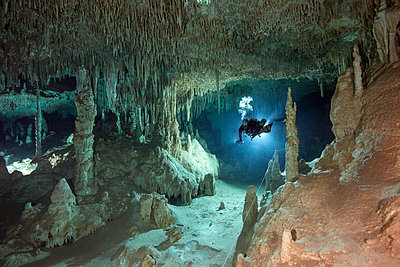 Cave diver - p300m1130039f by Herbert Meyrl