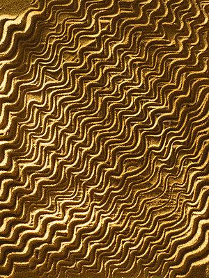 Wavy sand - p676m2263901 by Rupert Warren