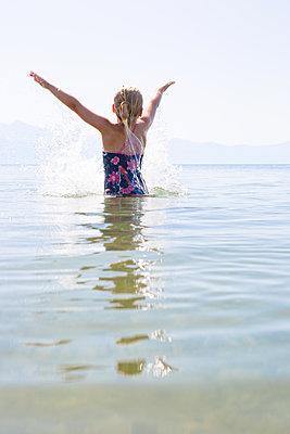Wonderful water - p454m2173511 by Lubitz + Dorner