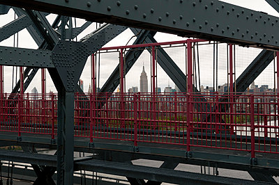 Williamsburg Bridge - p470m1152800 von Ingrid Michel