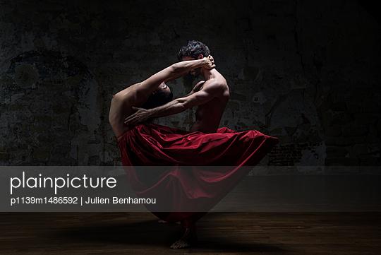 p1139m1486592 by Julien Benhamou