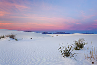 Majestic view of desert against dramatic sky at White Sands National Monument - p1166m1545781 by Cavan Social