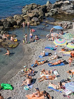 Sonnenbaden am Strand - p1292m1122909 von Niels Schubert