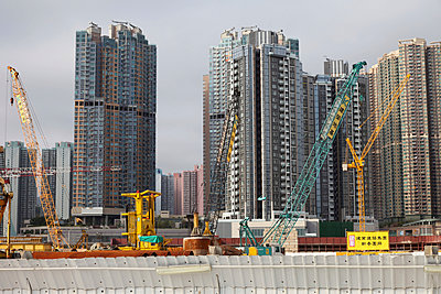 Tower Construction - p664m900885 by Yom Lam