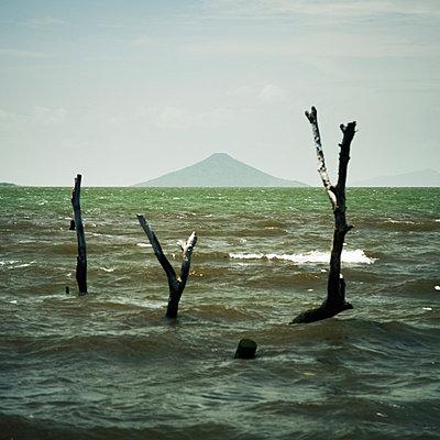 Nicaragua, Momotombito - p844m880733 von Markus Renner