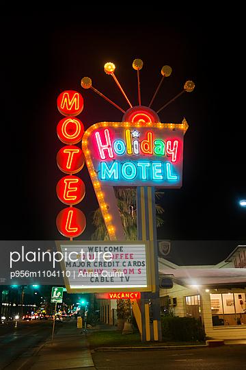 Motel in Las Vegas - p956m1104110 by Anna Quinn