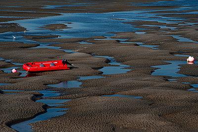 Beached dinghy - p1041m865307 by Franckaparis