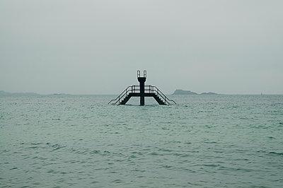 Seawater swimming pool in Saint Malo - p470m2064949 by Ingrid Michel