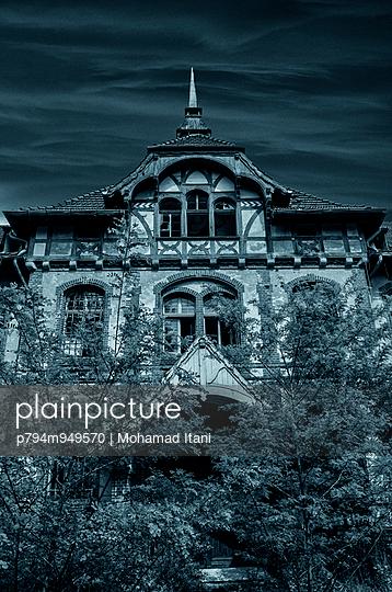 Beelitz Heilstatten millitary hospital  - p794m949570 by Mohamad Itani
