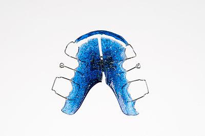 Zahnspange - p345m1200417 von Rainer Gollmer