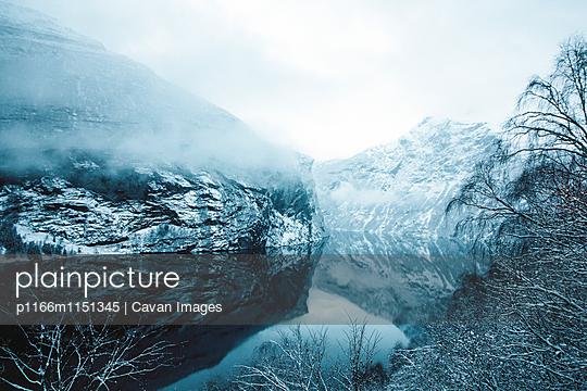 p1166m1151345 von Cavan Images