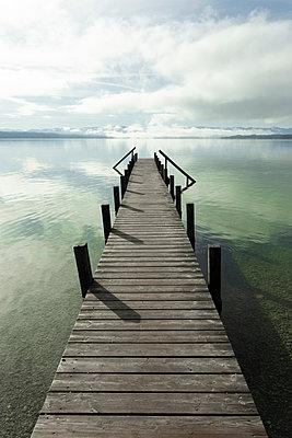 Calm over the lake - p1657m2298127 by Kornelia Rumberg