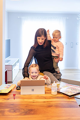 Multitasking - p741m2173082 von Christof Mattes