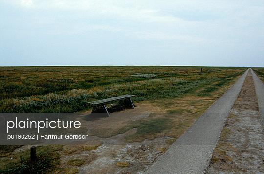 Sitzgelegenheit - p0190252 von Hartmut Gerbsch