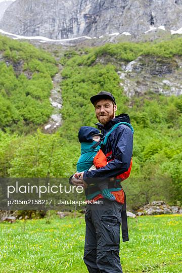 p795m2158217 by JanJasperKlein