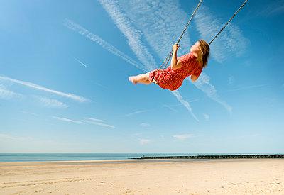 swing zeeland - p1132m1031220 by Mischa Keijser