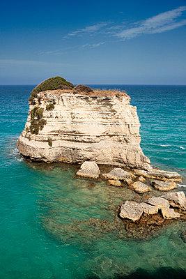 Felsformation an der Küste - p1032m1466381 von Fuercho