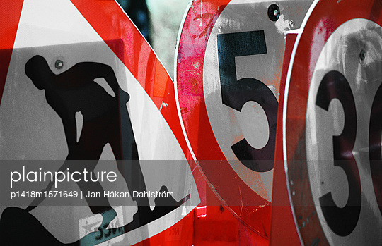 Diverse Verkehrsschilder - p1418m1571649 von Jan Håkan Dahlström