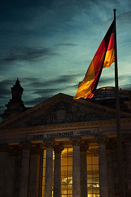 Reichstags building - p1038m1514986 by BlueHouseProject