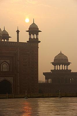Das Bauwerk Taj Mahal - p1259m1108676 von J.-P. Westermann