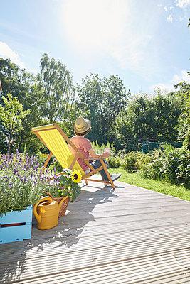 Garten Terrasse - p464m1496627 von Elektrons 08