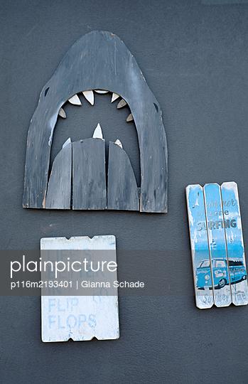 p116m2193401 by Gianna Schade