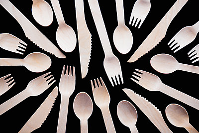 Wooden cutlery - p1149m1590701 by Yvonne Röder