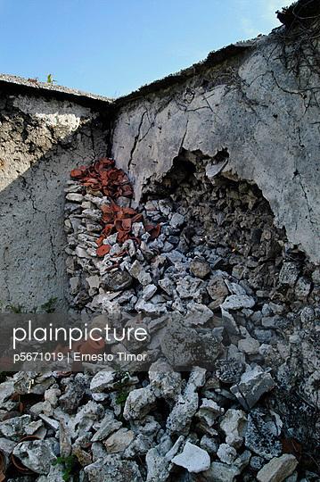 Zusammenbruch - p5671019 von Ernesto Timor