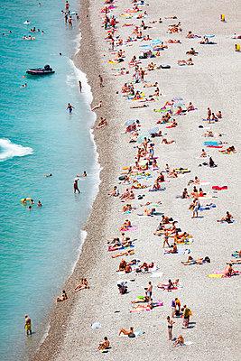 Strand in Nizza - p3227594 von Simo Vunneli