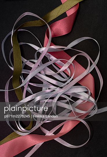 Ribbons - p971m2278245 by Reilika Landen