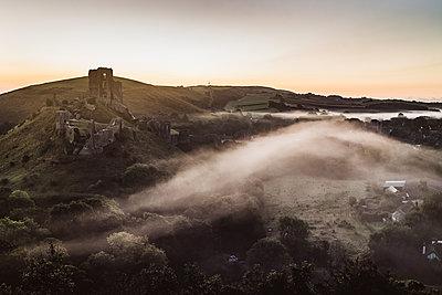 Corfe Castle - p1326m2099799 by kemai