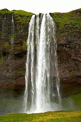 Wasserfall - p382m1068346 von Anna Matzen