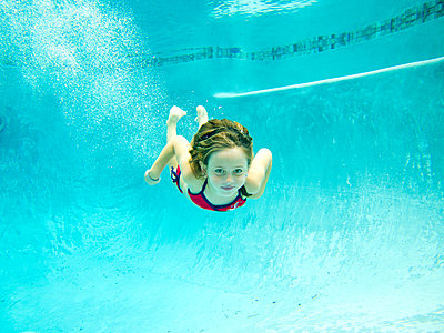 girl, underwater, pool,  - p694m811138 by Jack Wolford
