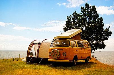 Vintage camping - p896m834695 by Richard Brocken