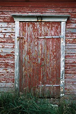Fishing cabin - p1003m760438 by Terje Rakke