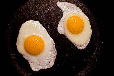 Fried eggs - p4470313 by Anja Lubitz