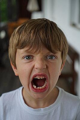 a small boy who just lost a teeth - p1610m2186033 by myriam tirler