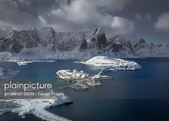 Stunning Norway - p1166m2130339 by Cavan Images