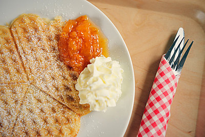 Waffle with cloudberries - p715m880655 by Marina Biederbick