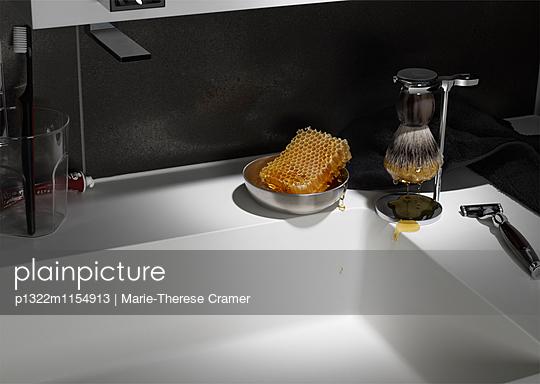 jemandem Honig um den Bart streichen - p1322m1154913 von Marie-Therese Cramer