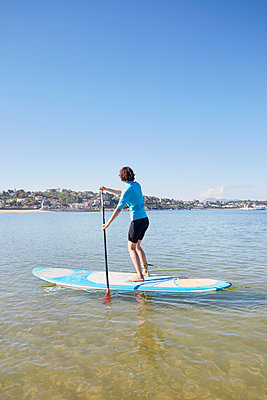 Stand up Paddle - p464m1538769 von Elektrons 08