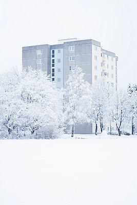 Hochhaus im Winter - p1149m1550401 von Yvonne Röder