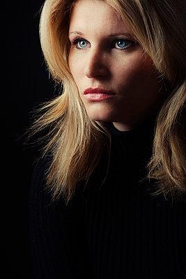 Blonde Frau - p3300429 von Harald Braun