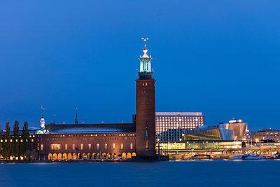 Sweden, Stockholm, Kungsholmen Town Hall against blue sky - p352m1126726f by Mikael Ackelman
