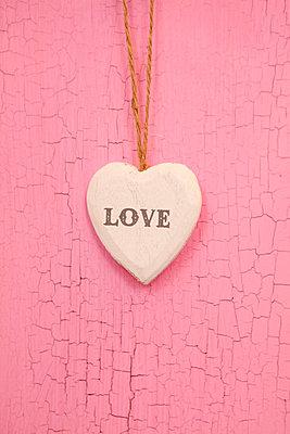 Love - p045m851479 by Jasmin Sander