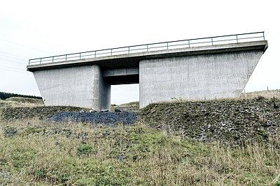 Autobahnbrücke - p1221m1510443 von Frank Lothar Lange
