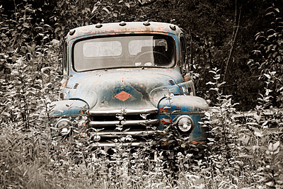 Abandoned Truck - p1072m1163424 by Peter Paterson