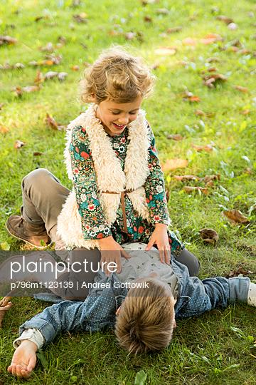 Familienausflug - p796m1123139 von Andrea Gottowik