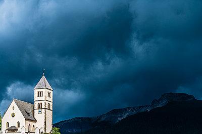 Kirche - p488m2020939 von Bias
